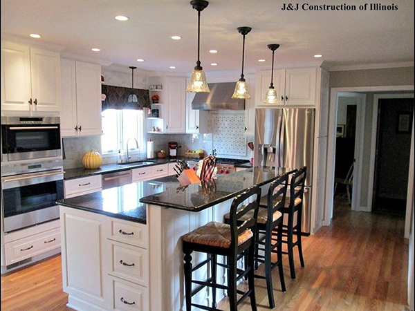 A brilliant white kitchen in Naperville